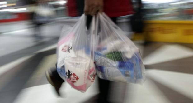 Sacos de plástico nas grandes superfícies dos Açores pagos a partir de sexta-feira