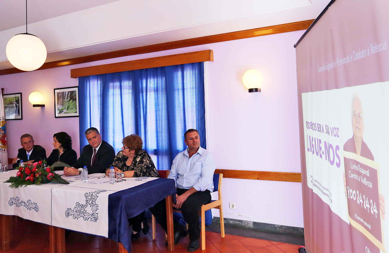 """Presidente do Governo defende mobilização de todos para dar """"tolerância zero"""" ao fenómeno da violência doméstica"""