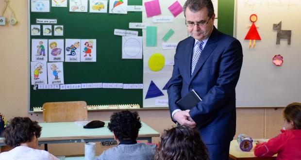Avelino Meneses reafirma empenhamento do Governo dos Açores no combate ao insucesso escolar