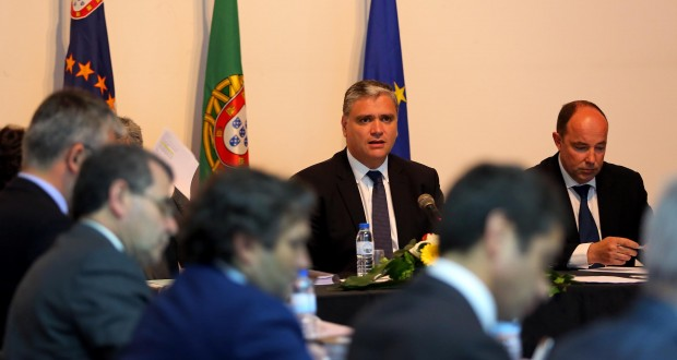 Corvo sem desempregados inscritos serve de motivação para continuar trabalho nas outras ilhas, afirma Vasco Cordeiro