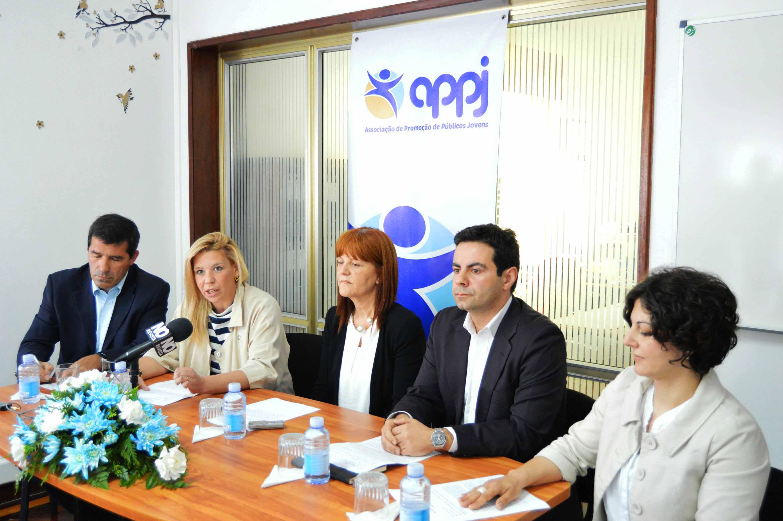 """Governo dos Açores defende adoção de """"respostas criativas"""" no âmbito do empreendedorismo social jovem"""