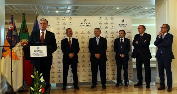 """Entidades públicas e privadas devem """"pôr mãos à obra"""" para garantir sustentabilidade do turismo, defende Vasco Cordeiro"""