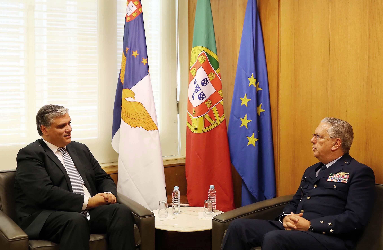 Açores vão ter segunda tripulação em permanência para helicóptero de busca e salvamento