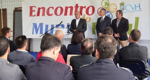 Câmara Municipal da Horta abandona utilização do glifosato, anuncia José Leonardo