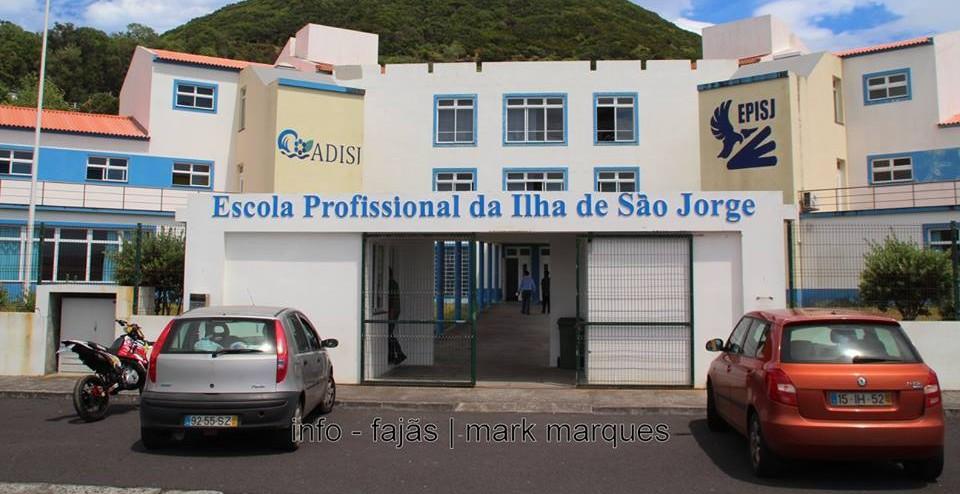 Escola Profissional de S.Jorge lamenta ver apenas 2 cursos aprovados para o próximo ano letivo (c/áudio)