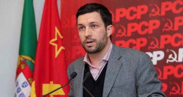 Eurodeputado do PCP visitou S.Jorge e apontou problemas ao nível dos principais setores da economia (c/áudio)