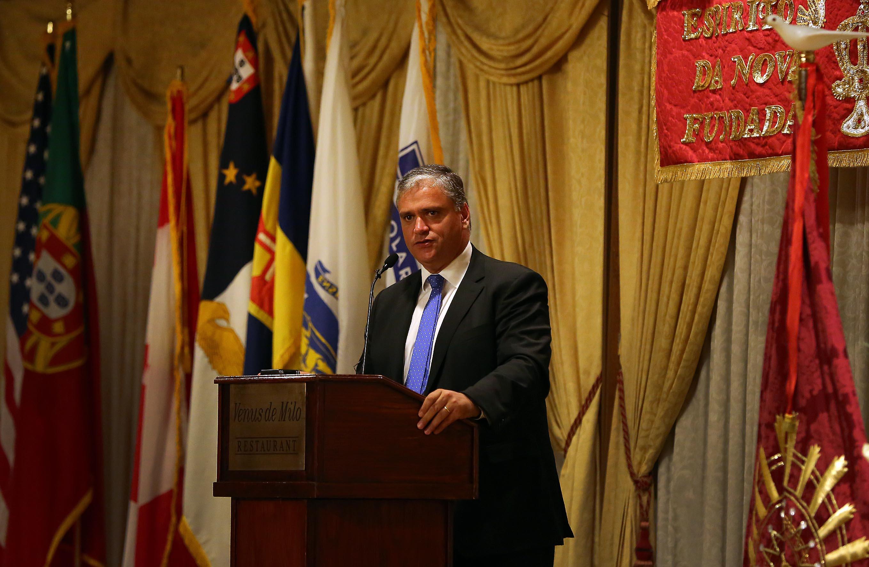 Integração plena das comunidades constitui também uma forma de ajudar os Açores, afirma Vasco Cordeiro