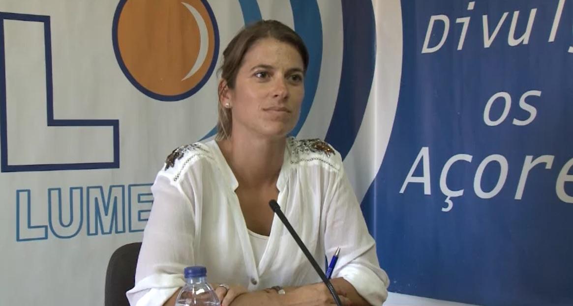 """Catarina Cabeceiras, cabeça de lista do CDS-PP, afirma que são necessárias políticas que """"promovam a comercialização do queijo de S.Jorge"""" (c/áudio)"""