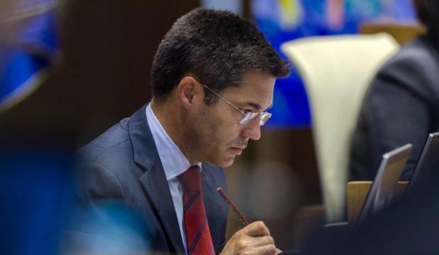PS e PCP inviabilizam protesto do PSD sobre mau serviço da SATA Internacional no Faial