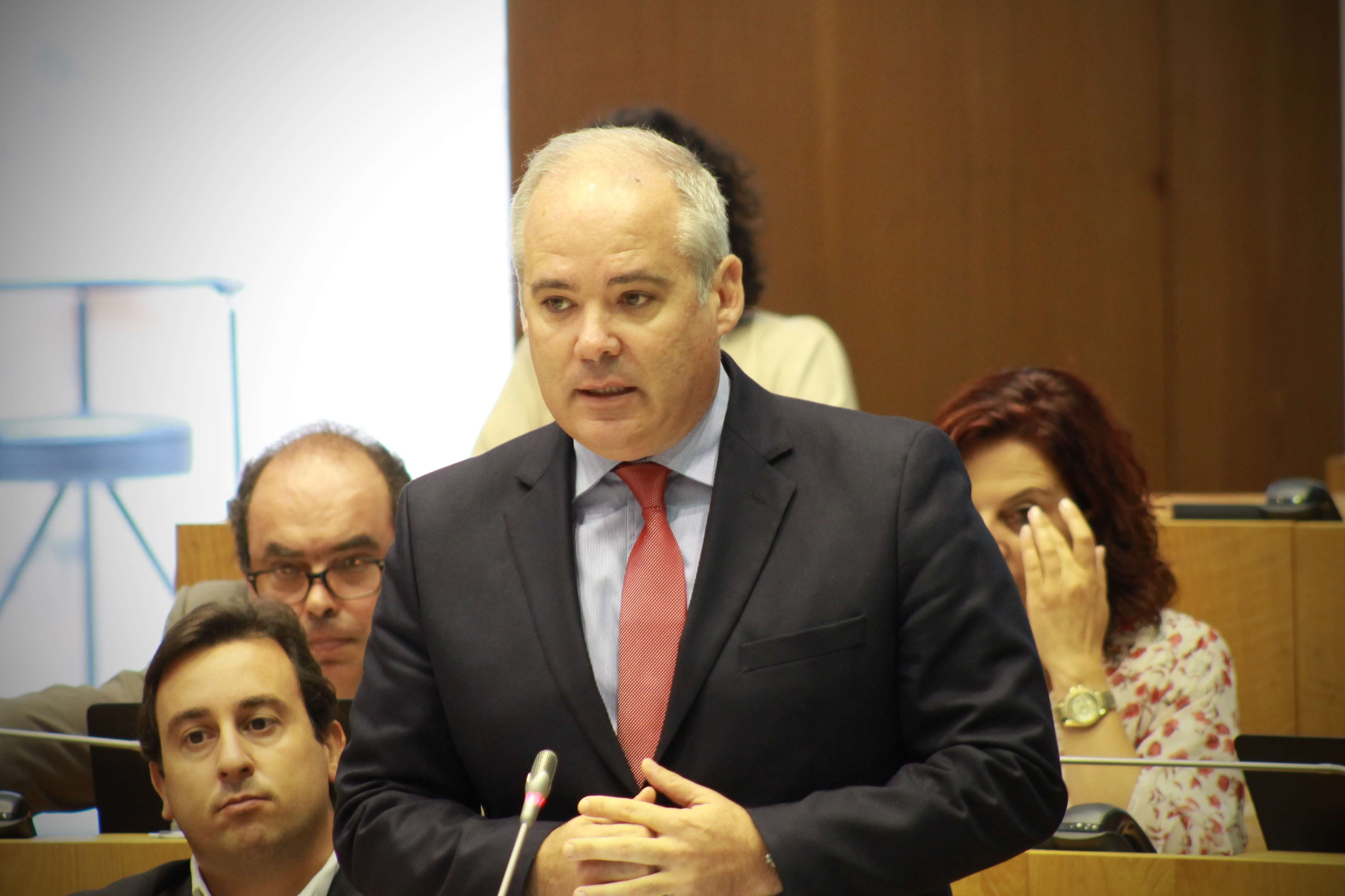 """""""Pelos critérios que o PSD estabeleceu em 2014 a Governação do PS-Açores é um sucesso"""", salientou José San-Bento"""