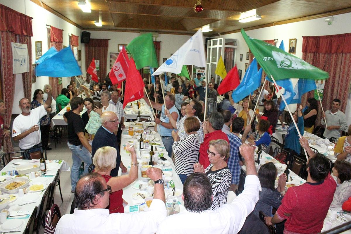 Jantar convívio da CDU reúne centena e meia de apoiantes da CDU na Cidade da Horta