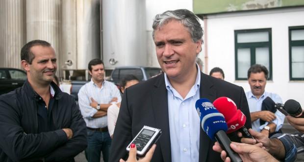 Vasco Cordeiro defende caminho de sustentabilidade para os produtores e para a indústria do leite no Pico