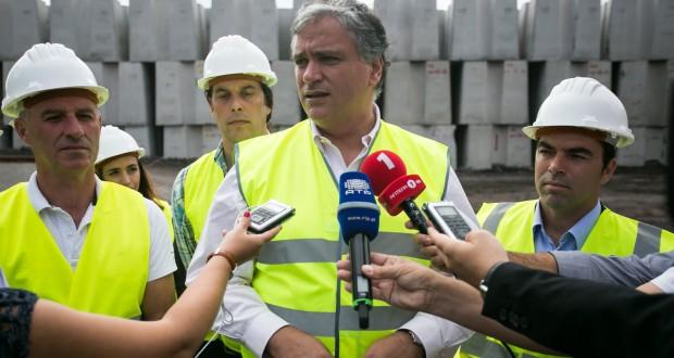 Vasco Cordeiro quer reforçar estratégia de acessibilidades marítimas