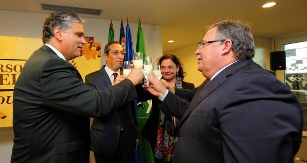 Presidente do Governo apela a trabalho conjunto de planeamento estrutural do setor leiteiro
