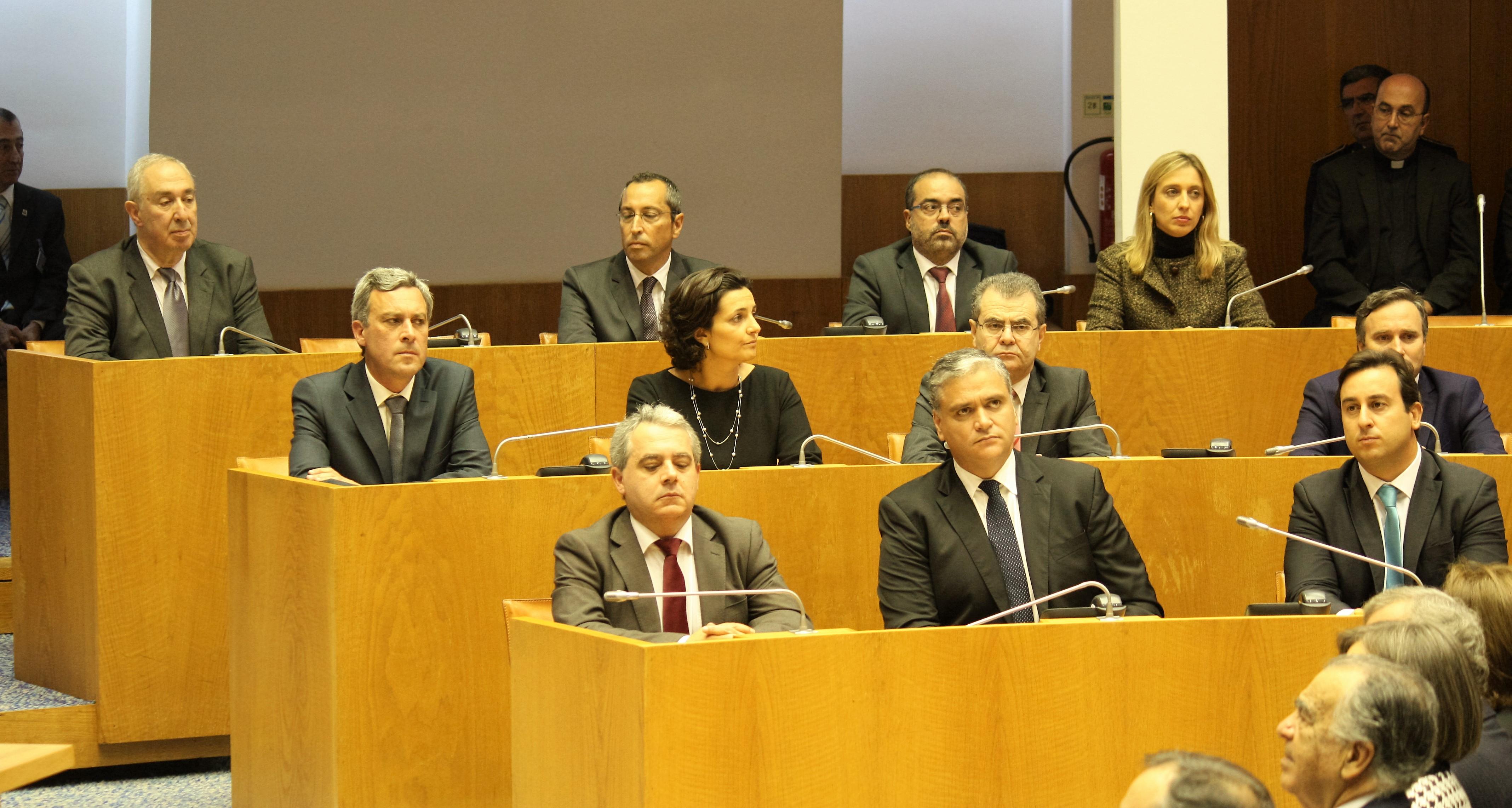 XII Governo Regional dos Açores já tomou posse – Vasco Cordeiro quer concretizar sonho chamado Açores (c/áudio)