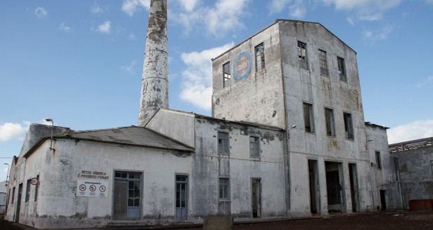 PSD/Açores propõe suspensão da venda da antiga Fábrica do Álcool da Lagoa