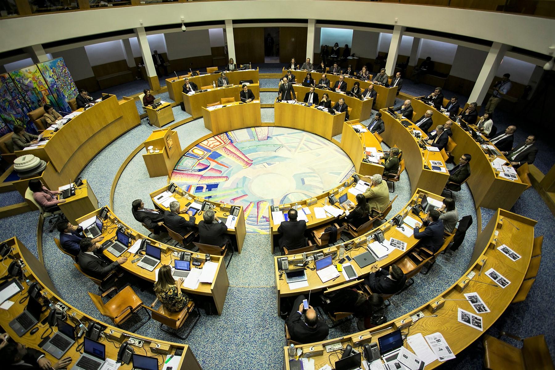 Grupo Parlamentar do PS/Açores congrega partidos para avançar com reforma da Autonomia e combate à abstenção