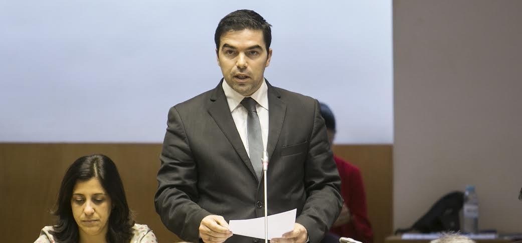 """André Rodrigues acusa CDS-PP de esquecer """"novo ciclo de investimento em São Jorge, como se o Governo pudesse fazer tudo ao mesmo tempo"""" (c/áudio)"""