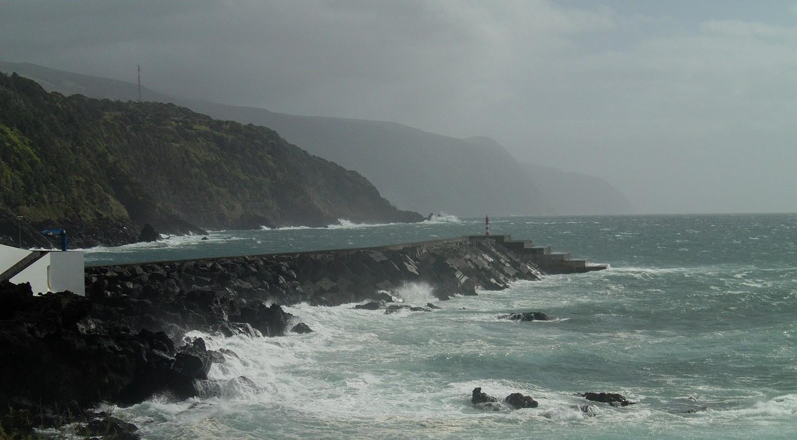 Previsão de vento e agitação marítima em sete ilhas dos Açores