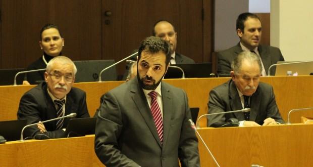 Deputado do PCP contesta fim dos apoios à exportação de gado