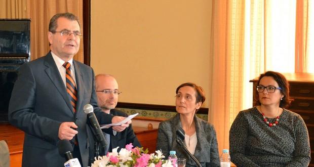 Avelino Meneses destaca papel do psicólogo escolar na promoção do sucesso dos alunos