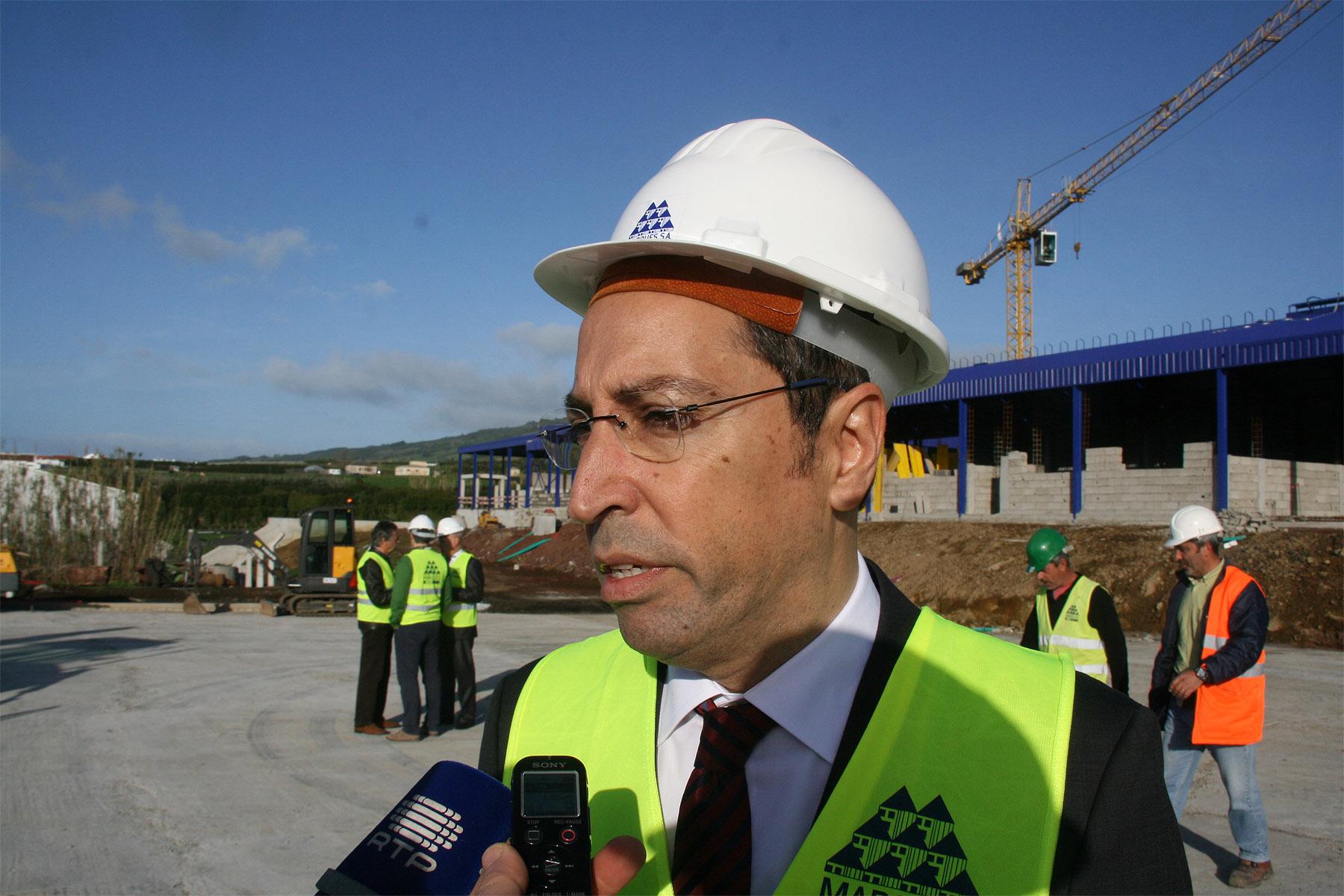 Governo dos Açores vai criar estrutura de decisão conjunta para a fileira da carne bovina, anunciou João Ponte