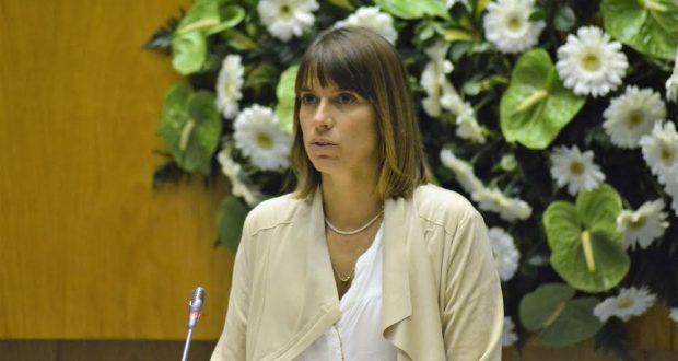 Catarina Cabeceiras denuncia obras em estradas regionais de São Jorge mal feitas e que não cumprem a lei
