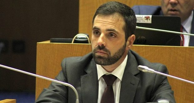 Deputado do PCP Açores garante disponibilidade total para apoiar os vários setores da ilha de São Jorge – João Paulo Corvelo está de visita à ilha esta semana (c/áudio)