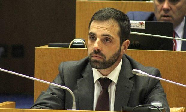 Deputado do PCP quer soluções para o escoamento do queijo de São Jorge