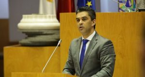 Governo chumba reforço de verbas para reparar danos na Madalena, acusa PSD
