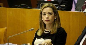 Governo dos Açores reduz 11,5% no investimento na Educação, acusa Maria João Carreiro