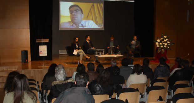 """Fórum """"Política 101"""", organizado pela JS Velas, pretendeu elucidar jovens no que toca à política (c/áudio)"""