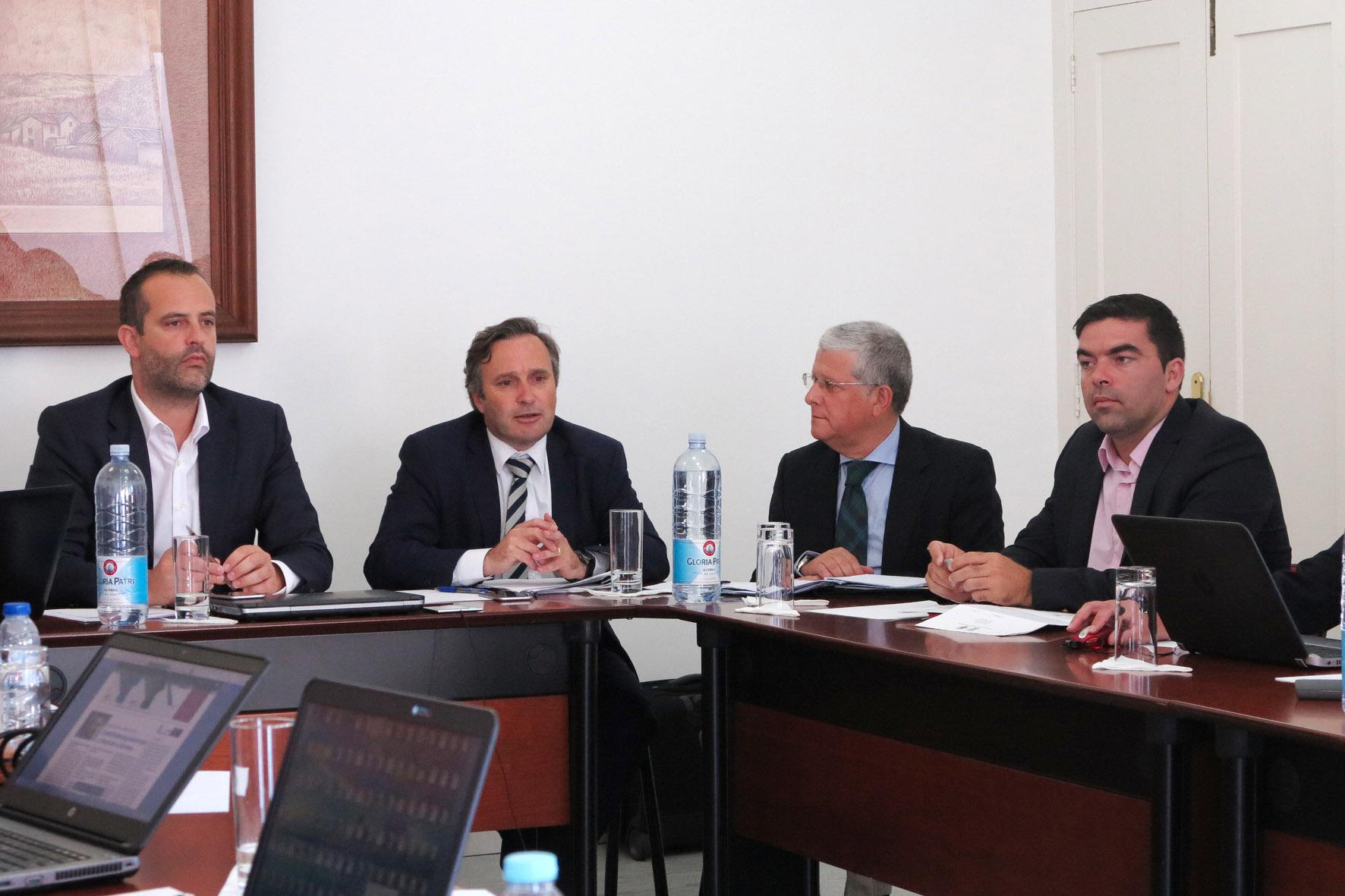 Investimentos no Porto da Horta visaram melhorar a operacionalidade, afirma Vítor Fraga