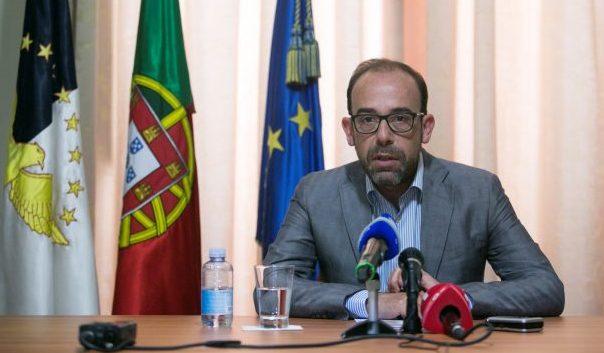 """PS desafia PSD a criar Comissão de Inquérito em vez de """"quebrar regras democráticas"""""""