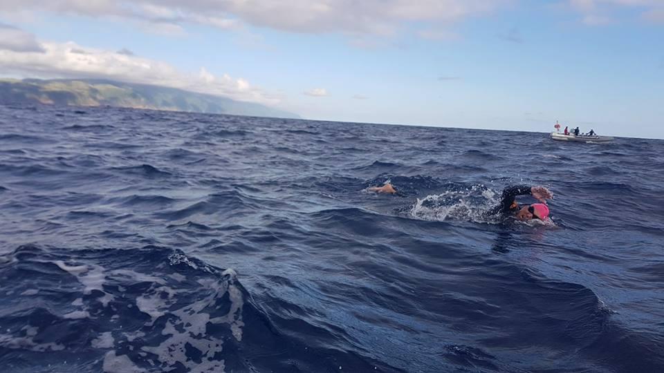 """Apesar do esforço nenhum dos três nadadores da """"Braçada Amiga"""" conseguiu terminar a travessia São Jorge – Terceira"""