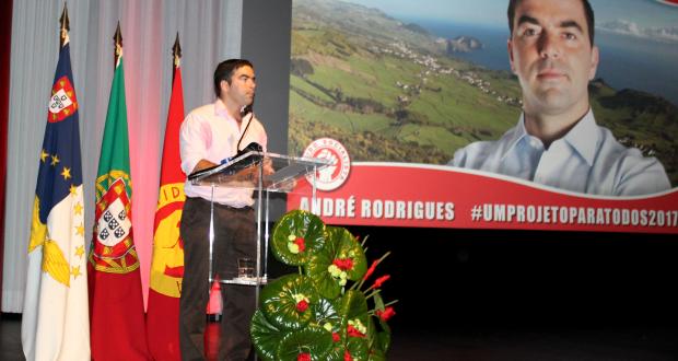 André Rodrigues não quer mais obra nas Velas, mas sim fomentar a criação de emprego e fixação de jovens – Candidato do PS quer criar uma incubadora de empresas (c/áudio)