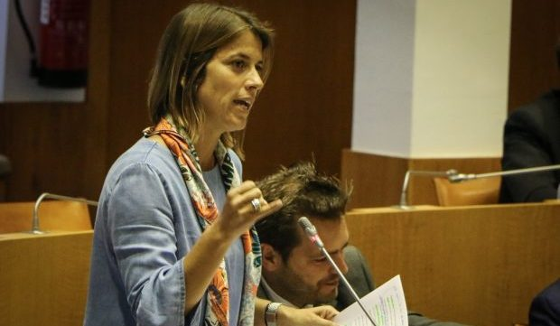 Faltam meios aos serviços públicos de turismo e ambiente em São Jorge, denuncia Catarina Cabeceiras