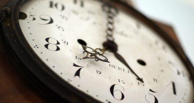 Hora muda este fim-de-semana – relógios atrasam uma hora na madrugada de domingo