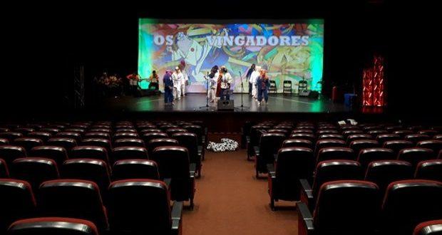Auditório Municipal das Velas abre portas hoje com dois Bailinhos de Carnaval no programa (c/áudio)