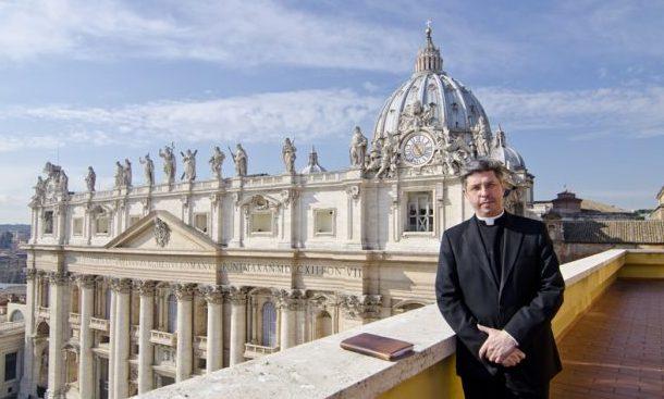 Deputados jorgenses fazem aprovar voto de congratulação pela ordenação de D.José Avelino Bettencourt como Arcebispo (c/áudio)