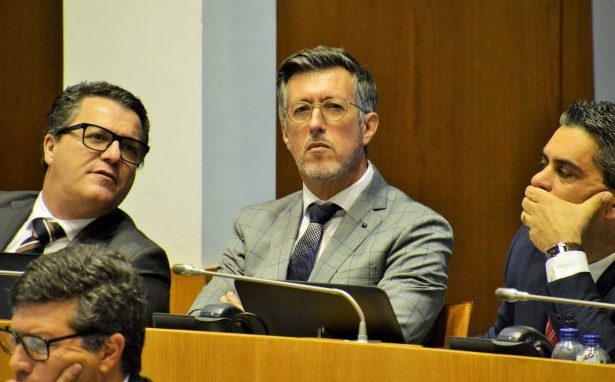 """""""São Jorge não é vértice do Triângulo com a Terceira e Graciosa, porque Governo falhou nos Transportes Marítimos"""", acusa António Pedroso (c/áudio)"""