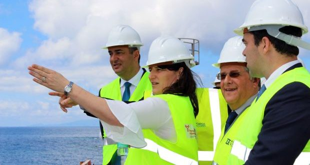 Obra do Porto Comercial das Velas está concluída no prazo de dois meses, assegura Ana Cunha