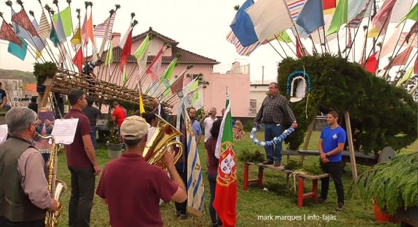 Na Mordomia da Ribeira do Belo, em Rosais, a tradição manteve-se com o enfeitar dos Carros de Bois e portas abertas a toda a população