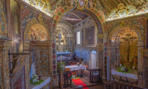 Igreja das Manadas, único monumento religioso classificado como património nacional na região, já reabriu ao público (c/áudio)