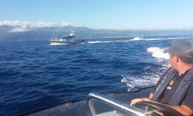 Polícia Marítima impede atividade de apanha ilegal de lapas junto ao ilhéu do Topo, em S.Jorge
