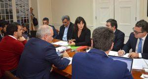 Bombeiros continuarão a assegurar serviços de socorro, salvamento e luta contra incêndios nos aeródromos, assegura Ana Cunha