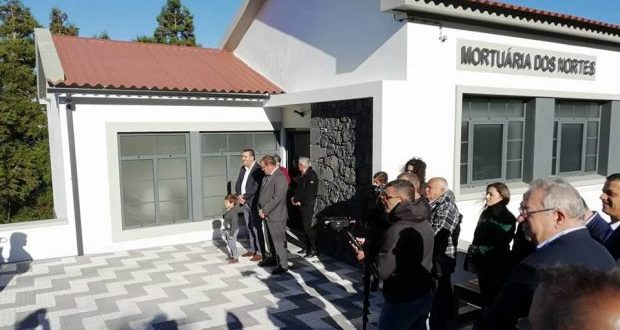 Câmara Municipal das Velas inaugura Mortuária dos Nortes (c/áudio)
