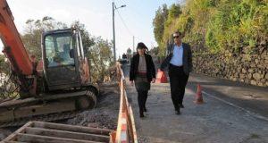 Reabilitação da estrada entre a Ribeira do Almeida e o Aeroporto de São Jorge deve estar concluída no prazo de um ano