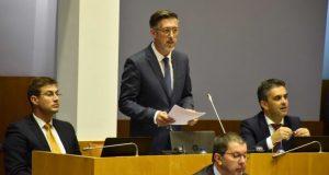 Governo teima em repetir promessas que não cumpre em São Jorge, lamenta António Pedroso