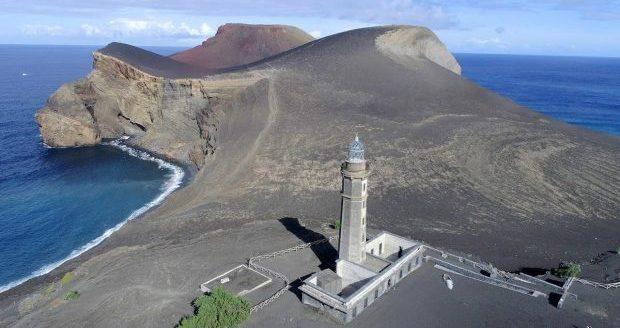 """Classificação do Vulcão dos Capelinhos como Monumento Natural é mais um passo na salvaguarda de um """"património valioso"""", afirma Marta Guerreiro"""